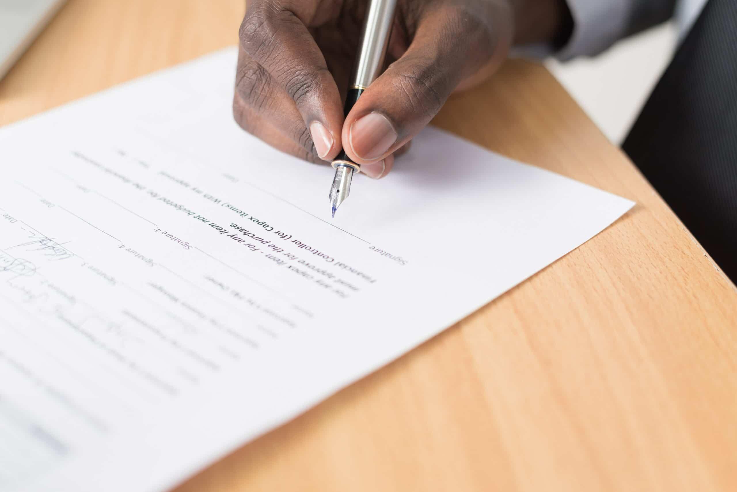 signature d'un contrat immobilier