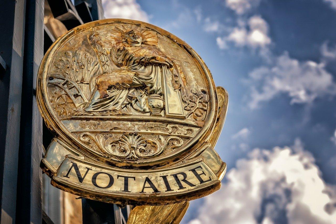 insigne de notaire en France