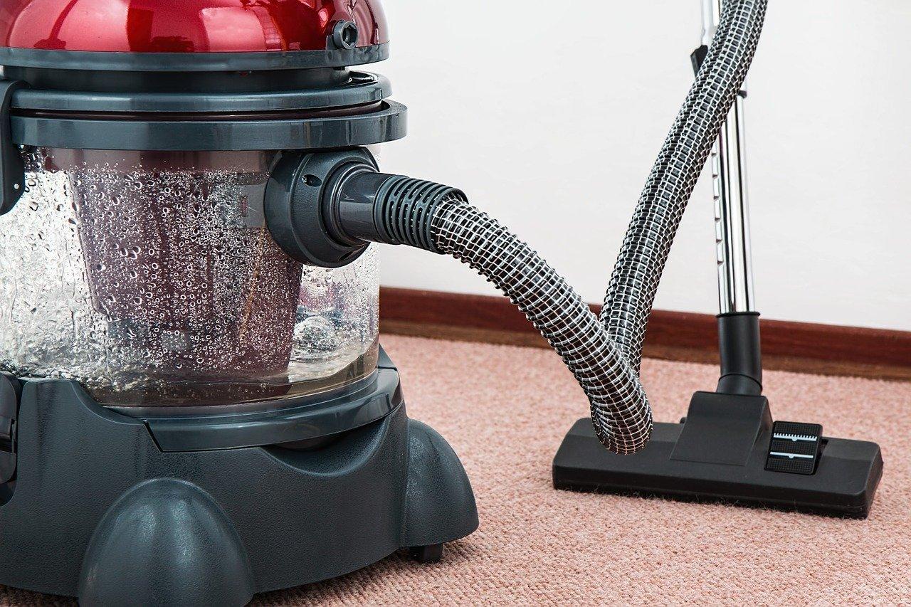 nettoyer tapis en jute avec aspirateur